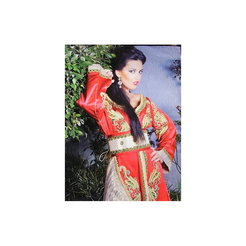Caftan marocain moderne et chic en ligne - Les Caftans Marocains 506712f5b30