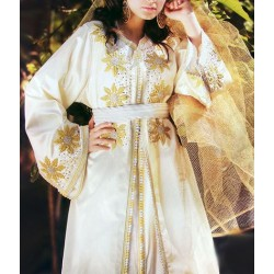 Caftan marocain rouge très jolie pour votre jour de mariage