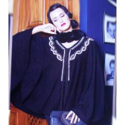 Cape noir pour femme élégante