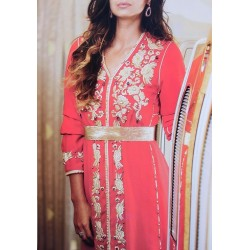 Caftan rouge ultra-chic